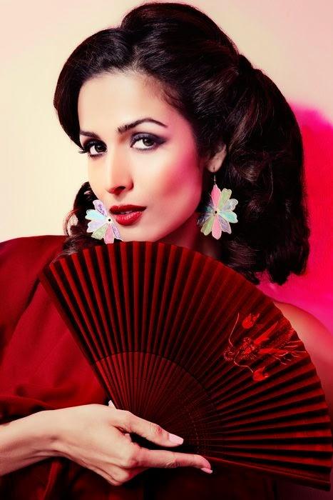 Malaika Arora Khan hottest hot pics hot black bra black panty hot pics