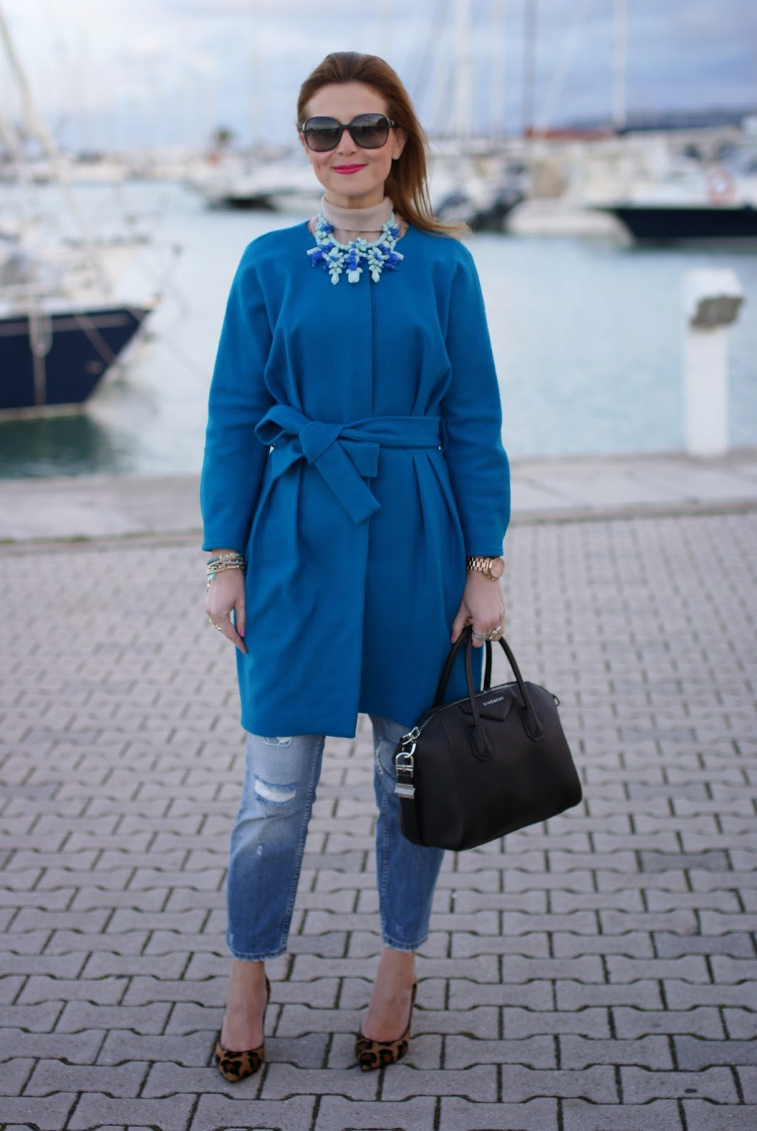 Givenchy Antigona bag, Zara blue statement necklace, Sapphire blue coat, Fashion and Cookies, fashion blogger