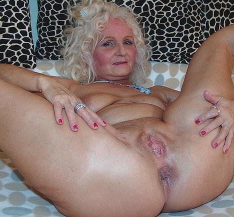 фото голых бабушек анал