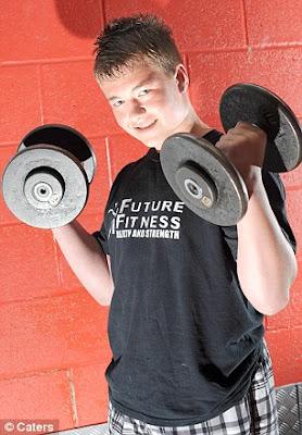 iskandarx.blogspot.com,Kyle Kane adalah Little Arnie budak terkuat didunia,Santai iskandarX,santai, Kyle Kane, little arnie, Arnold Schwarzenegger