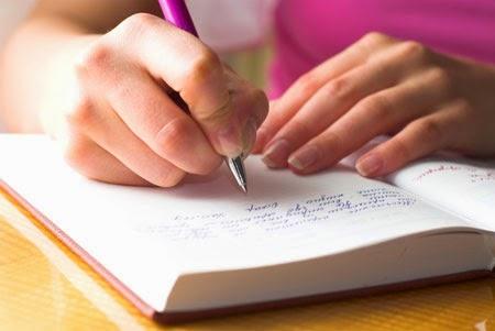 Menghasilkan uang dengan menulis