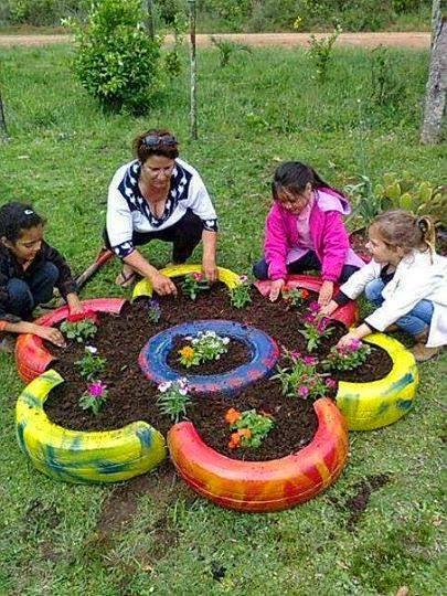 Macetas de llantas recicladas patios y jardines for Gartendeko ausgefallen