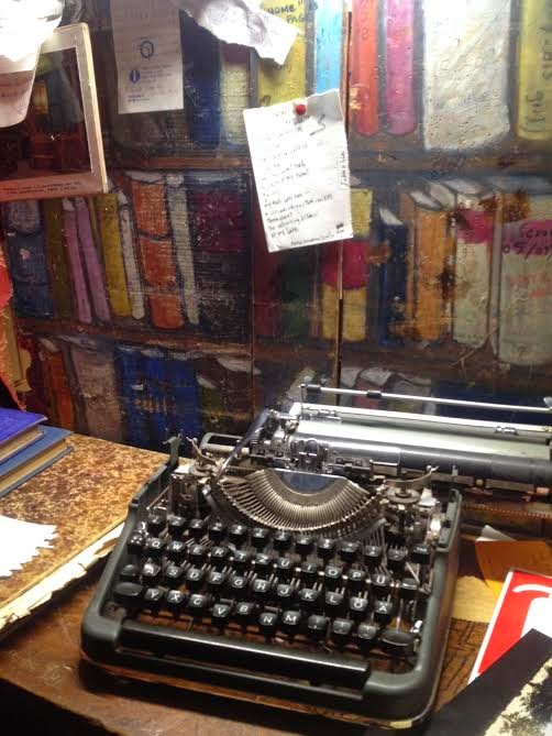 Typewriter at Shakespeare and Company