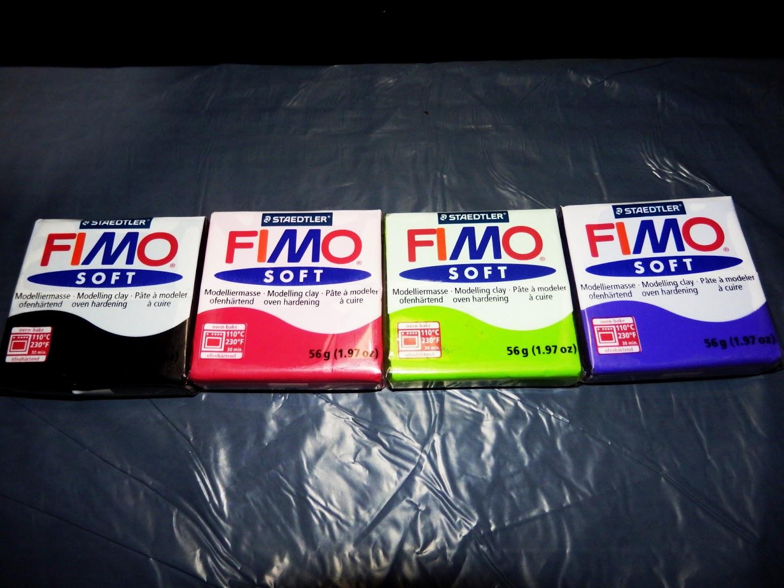 PASO A PASO! Hola hoy os traigo un tutorial de cómo hacer bisutería con Fimo!..que que es el Fimo? pues es esto que veis en la foto de la derecha,