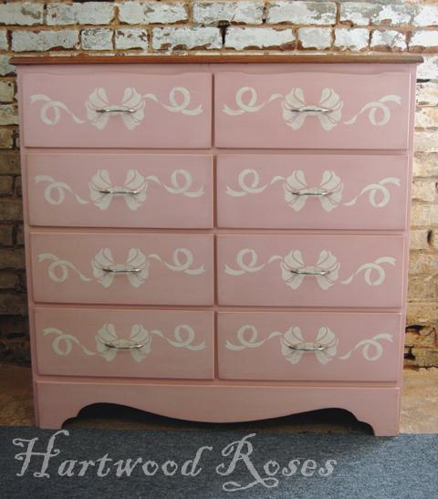 4 draer white dresser pink
