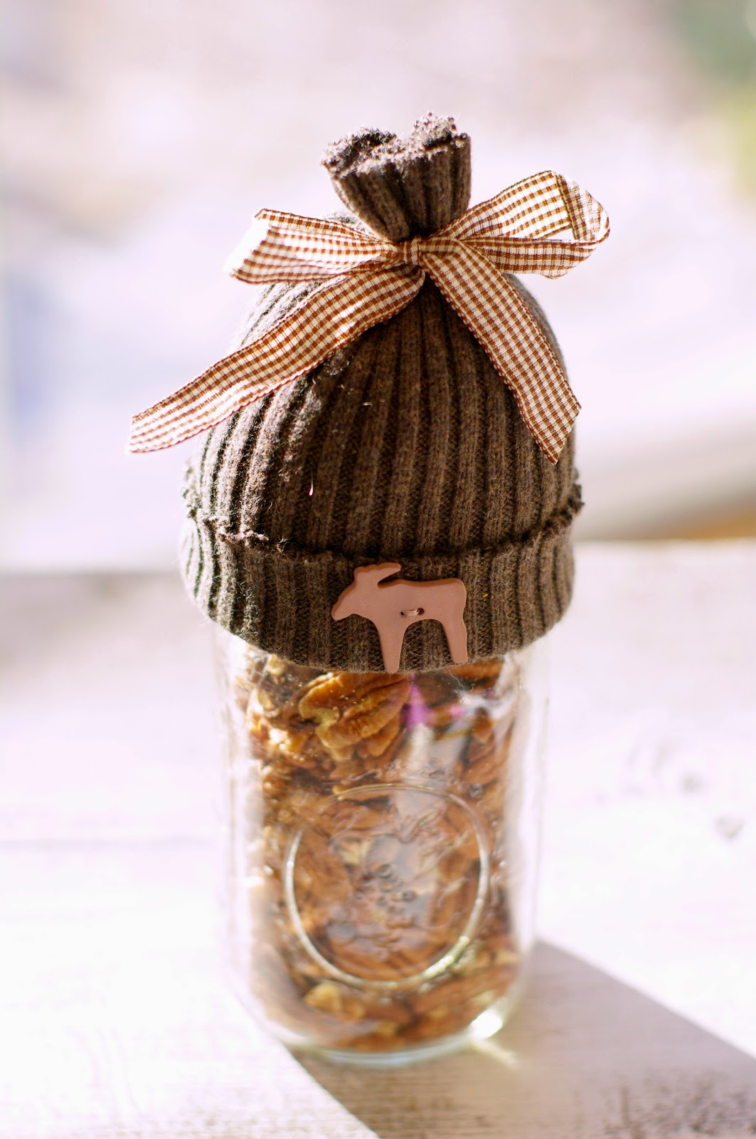 make a mason jar hat made with recycled fabric