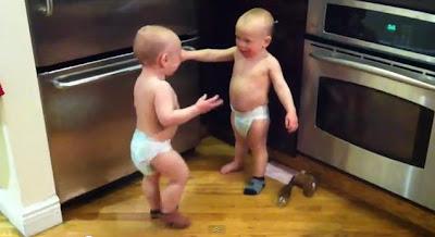 嬰兒 達達語 雙胞胎