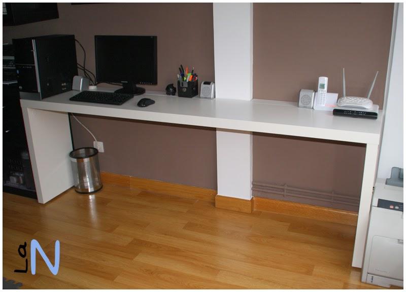 Ampliando la mesa malm para convertirla en una mesa de for Mesa escritorio ikea