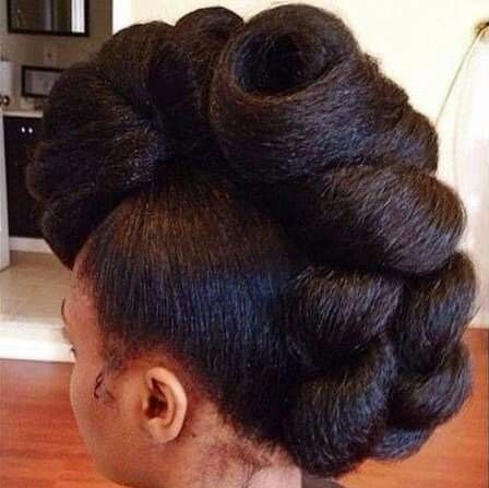 protective styles: chunky chignon mohawk