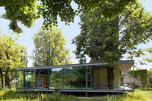 La casa de cristal flotante