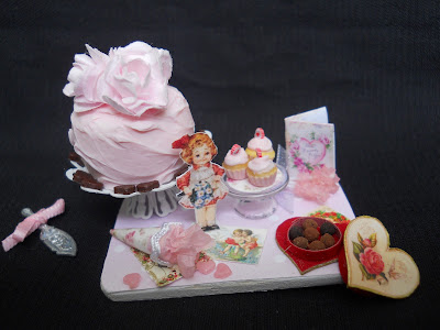 CDHM Artisan Kimberly Hofmaster of Kimmi Lou's Miniatures