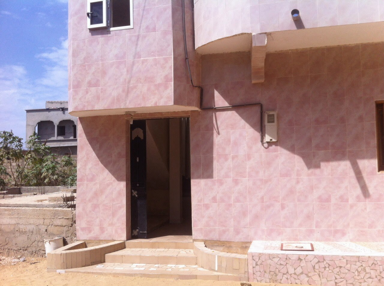 Urgent maison vendre keur massar f cfa for Salon a vendre a dakar