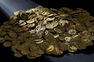 Wow, 4.166 Koin Harta Karun Ditemukan di Petani Kebun