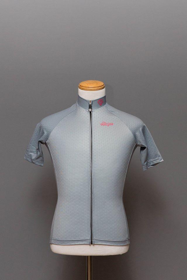 Yao`s Bike Blog  Attaquer Womens Core Jersey – Grey 144a75ef9