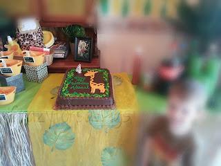jungle /safari table