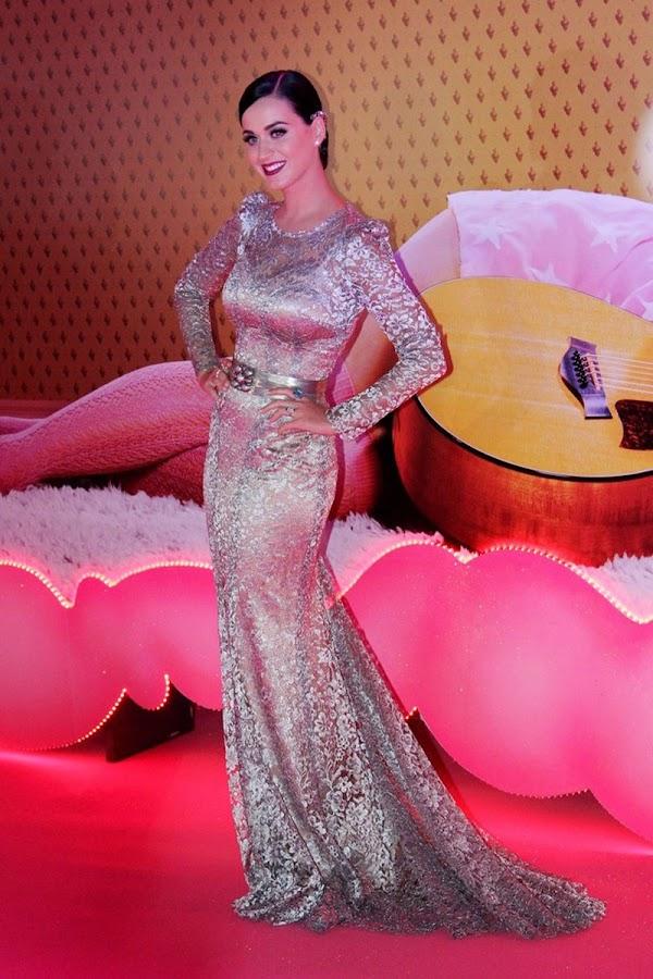 Katy+Perry+ +Part+of+Me+premiere+in+Rio+de+Janeiro+July+30,+2012+4 Katy Perry Photos in Part of Me Premiere