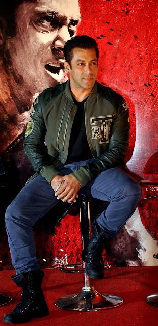 Salman Khan, Movie, Hindi, Film, Entertainment, Showbiz, 2014, Upcoming, Forthcoming, Trailer, Actor, Jai Ho, India, Bollywood, Mumbai, Review,