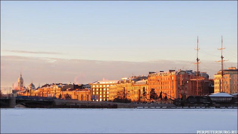 Вид на Петроградскую сторону в Питере зимой фото