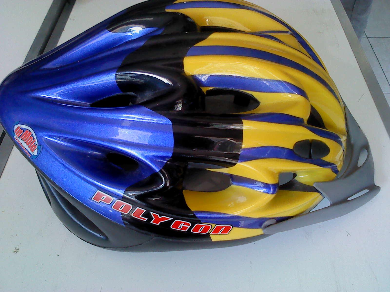 "seken malang: ""SOLD"" Seken : helm sepeda pancal Polygon Rp"