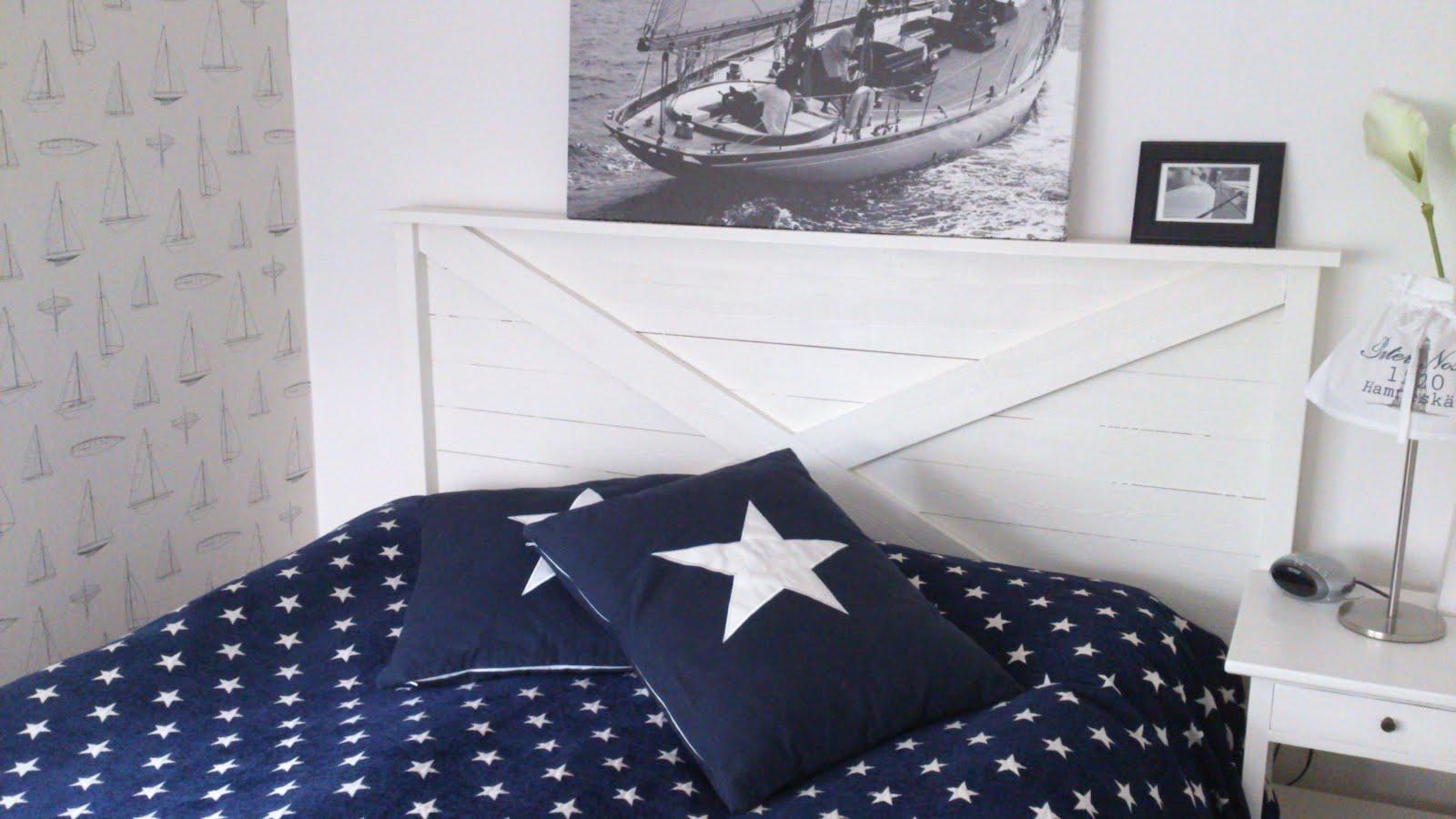 Seaside Sandviken Sänggavel i marin stil