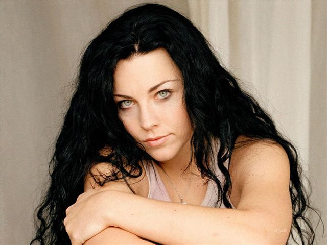 amy lee no makeup