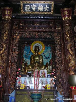 Vinh Trang pagoda My Tho - Worship place