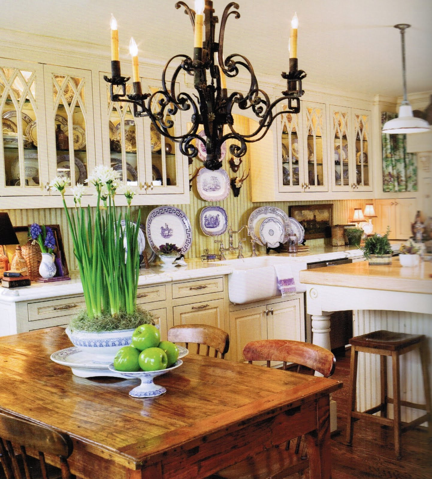 Vintage French Kitchen: Maison Decor: Romantic Kitchen Decor