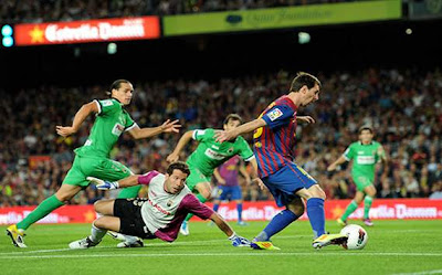 Barcelona 3 - 0 Racing Santander (1)