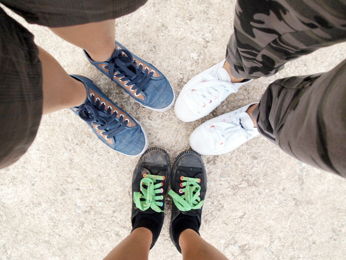 armed and ready in our Shulong shoes!:) made our 2-hour walk a breeze!