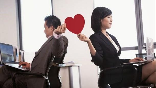 Amor no trabalho? Saiba como lidar com isso numa boa