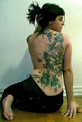 tattoo tattooz flower lily vine back tattoo designs for girls 2011. Black Bedroom Furniture Sets. Home Design Ideas