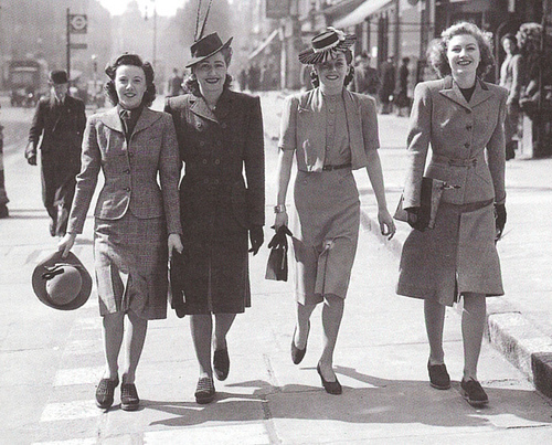 1940s fashion 1 9 extremely outdated etiquette tips from the 1950s
