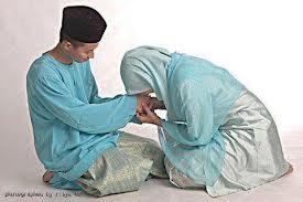 istri taat pada suami