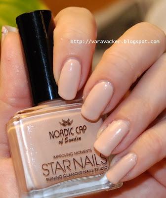 naglar, nails, nagellack, nail polish, nude, underkläder