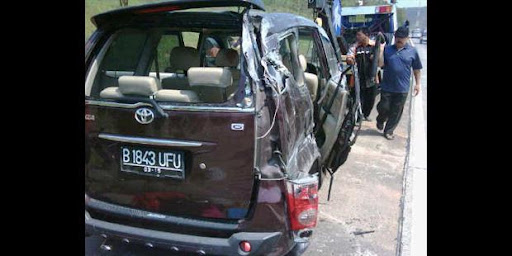 Kronologi Kecelakaan Mobil Saiful Jamil