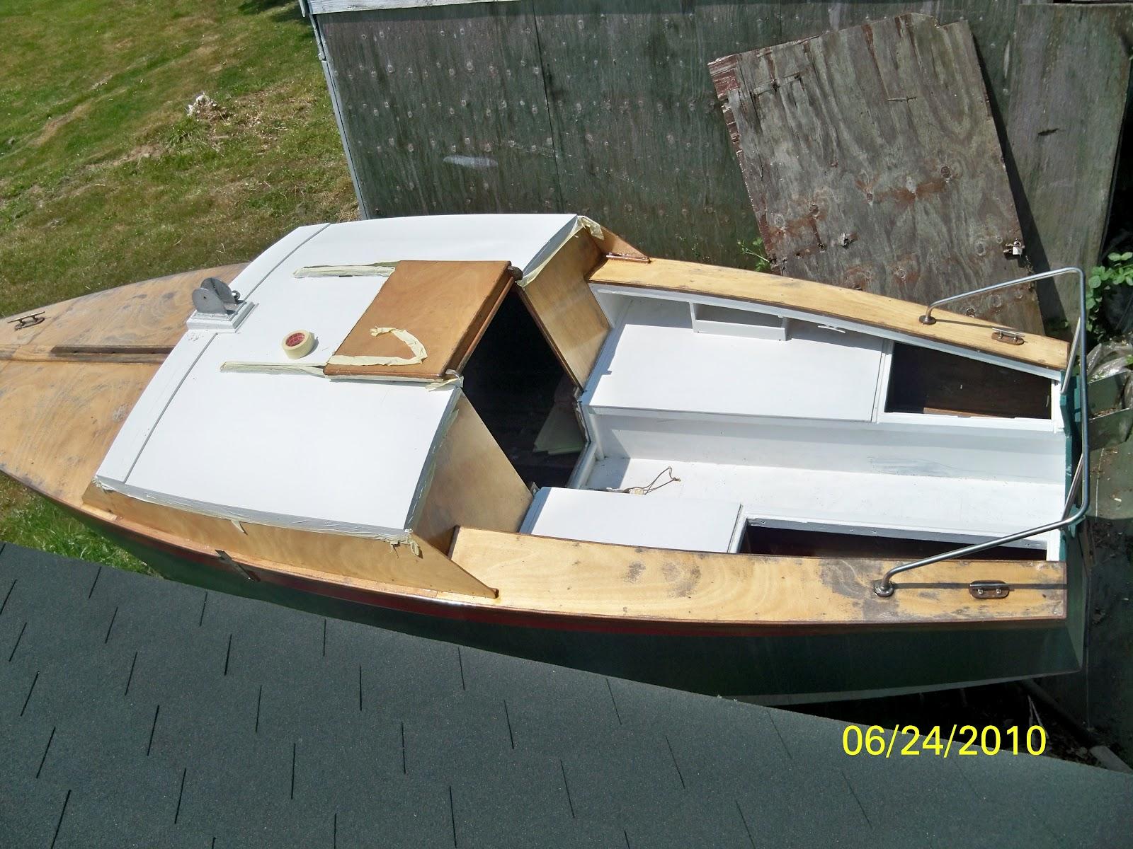 le corsaire petit voilier grands souvenirs corsaire a vendre. Black Bedroom Furniture Sets. Home Design Ideas