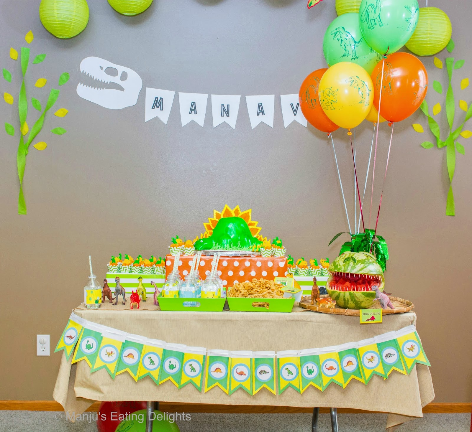 Decoration Stuff For Party Manjus Eating Delights Dinosaur Bday Partymanav Turns 3 Roar