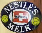 Nestle 81 x 61 cm
