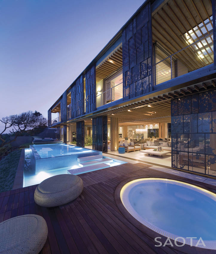 Terrace of African modern villa in Durban by SAOTA