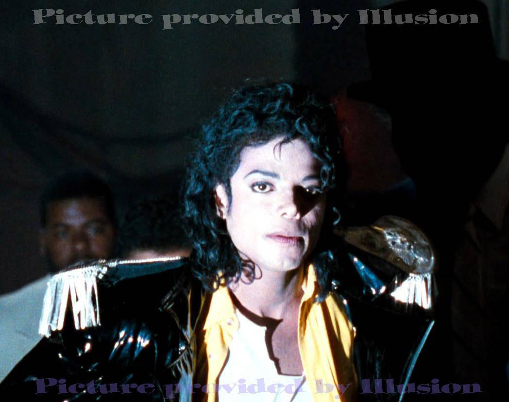 http://4.bp.blogspot.com/-1IJhpDsAeJg/TlBhjsNLjfI/AAAAAAAACP0/hMkilfwqo-U/s1600/iloveyoumichaeljackson1.jpg