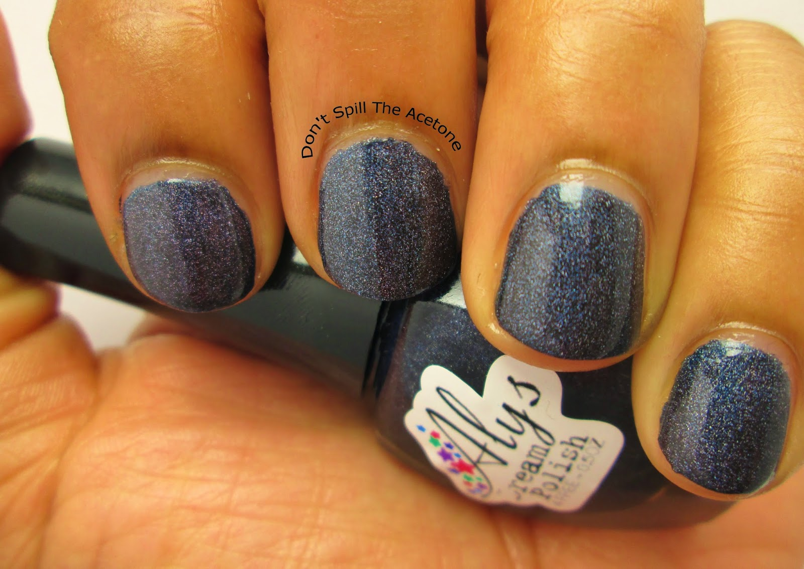 Alys-Dream-Polish-Dark-Midnight-Blue2