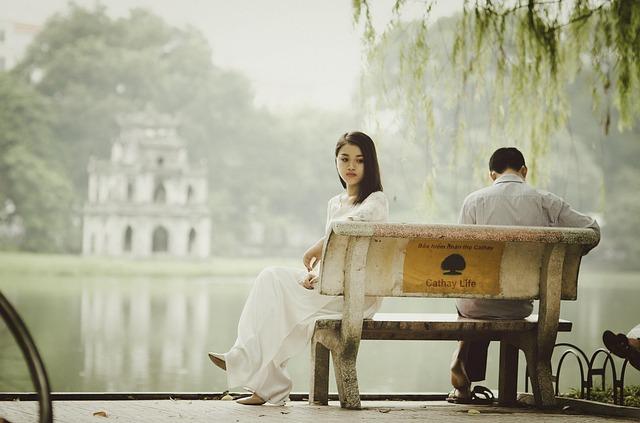 Kamu Akan Jatuh Cinta Dengan Orang Yang Salah