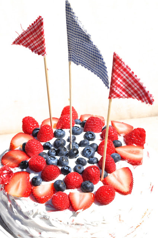 4th of July cake | Kate Uhry photography