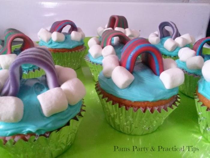 LEGO Movie Cloud Cuckooland Rainbow Cupcakes