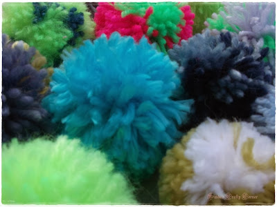 pompoms,soft,colourful