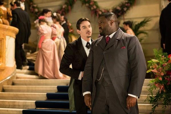 Jonathan Rhys-Meyer en Dracula 1x01 - The Blood is the life