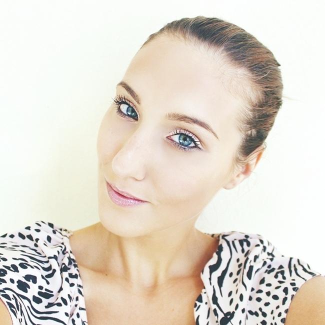 Jelena Zivanovic Instagram @lelazivanovic.Glam fab week.Natural makeup for blue-green eyes.Prirodan mejkap.