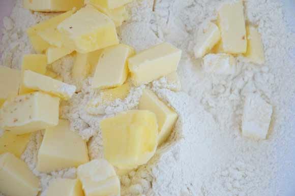 Basisdeeg hartige taart of quiche korstdeeg