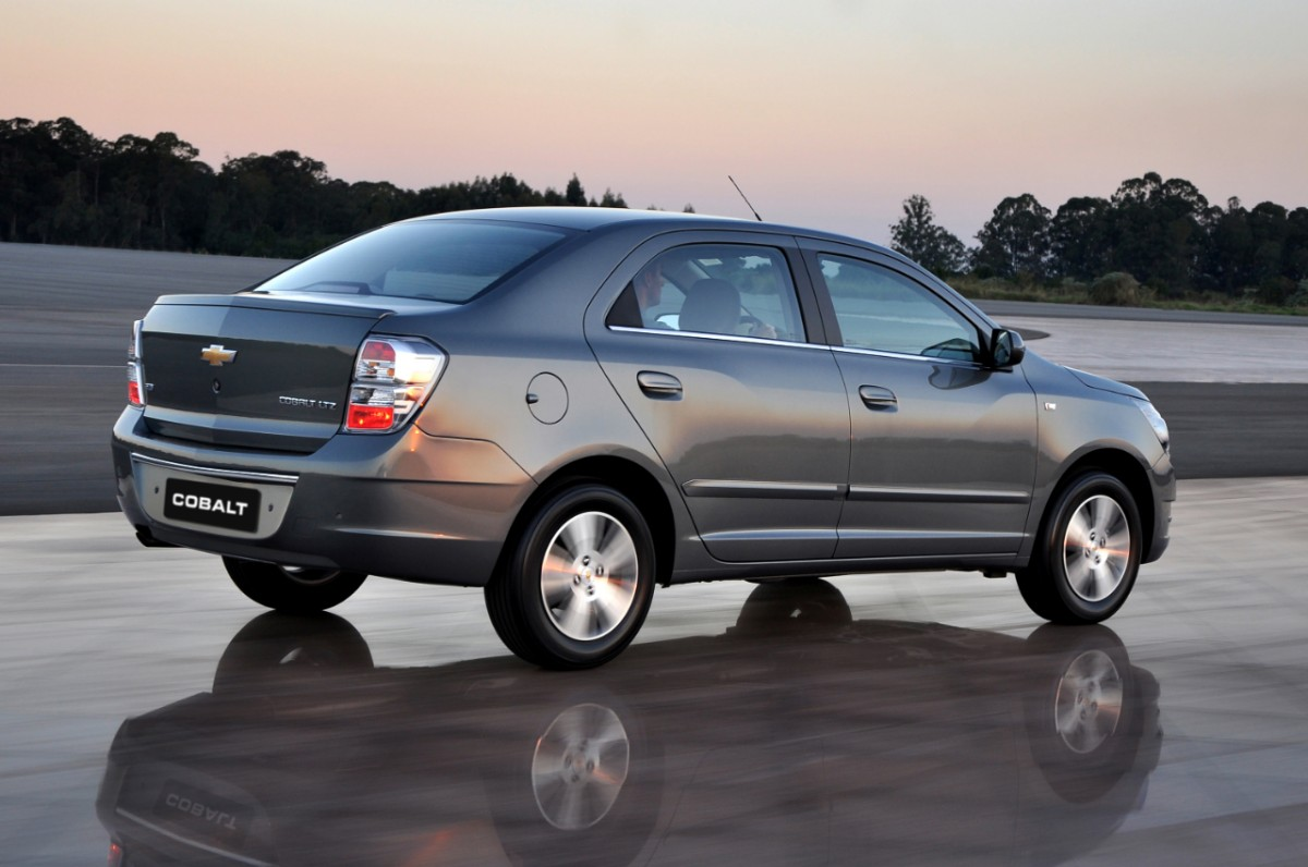 car i Chevrolet Cobalt 2013