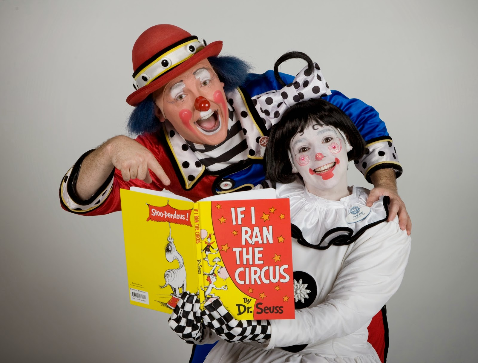 clowns reading
